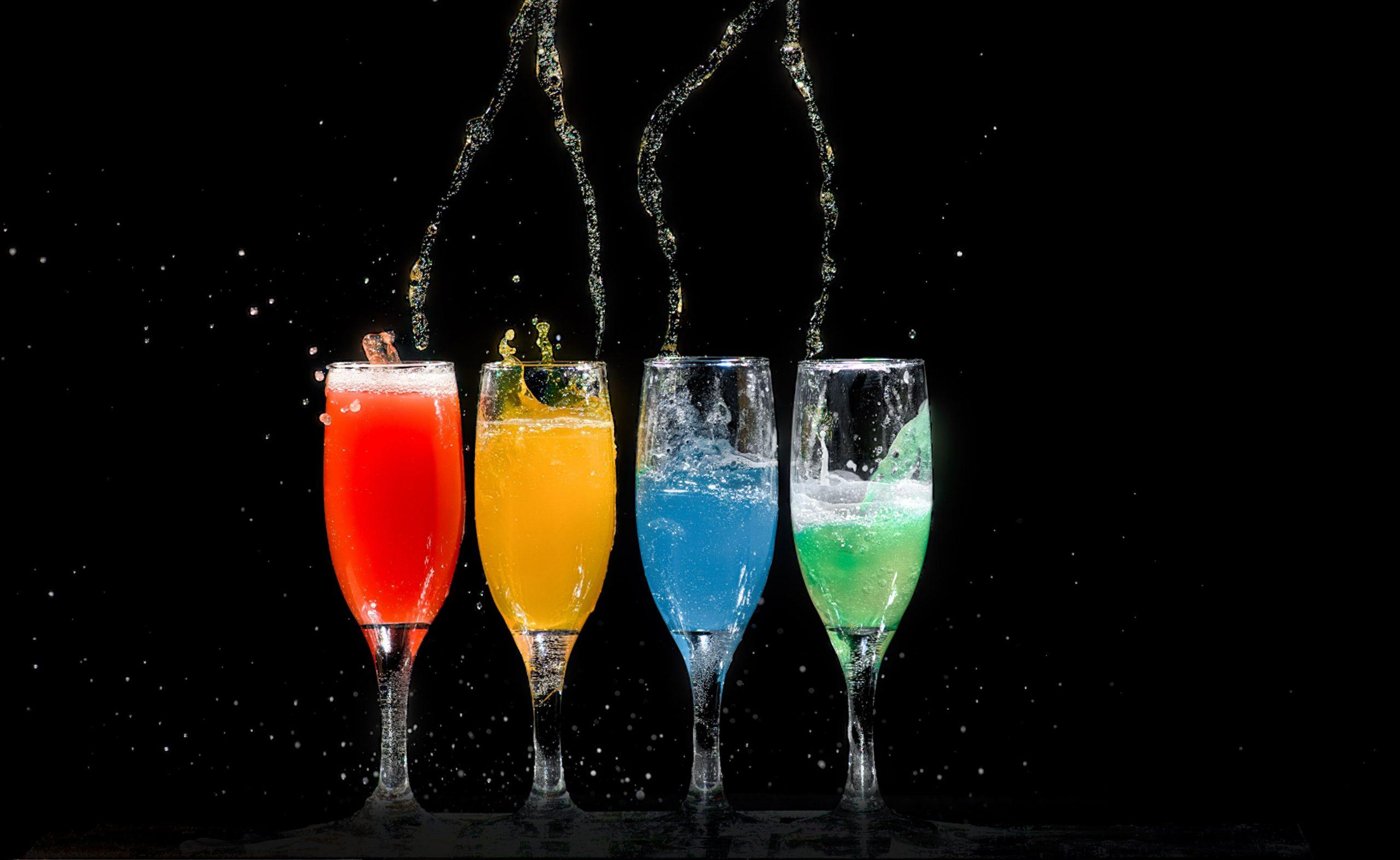 Färgglada drinkar
